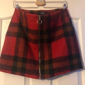 Women's plaid skirt with zipper